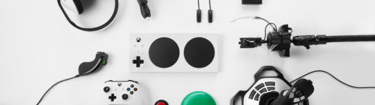 Xbox reminds everyone that Xbox One controllers are forward-compatible